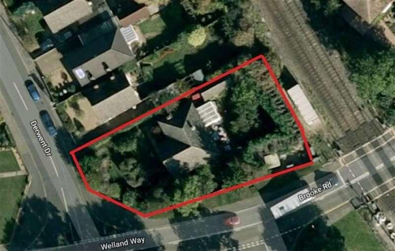 3 Bedrooms Bungalow for sale in Derwent Drive, Oakham, Rutland
