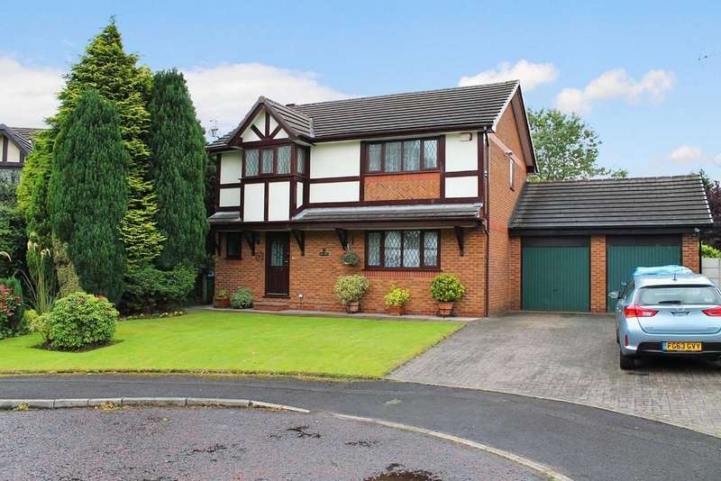 4 Bedrooms Detached House for sale in Bowlers Walk, Rochdale