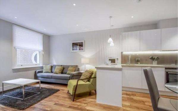 2 Bedrooms Flat for sale in Lovat Lave, Monument