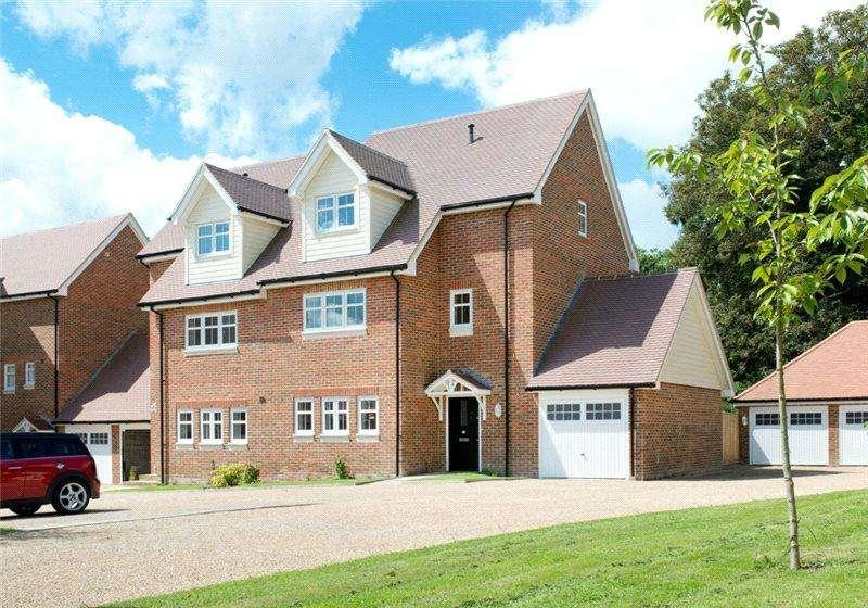 4 Bedrooms End Of Terrace House for rent in Oakhurst Park Gardens, Hildenborough, Tonbridge, Kent, TN11