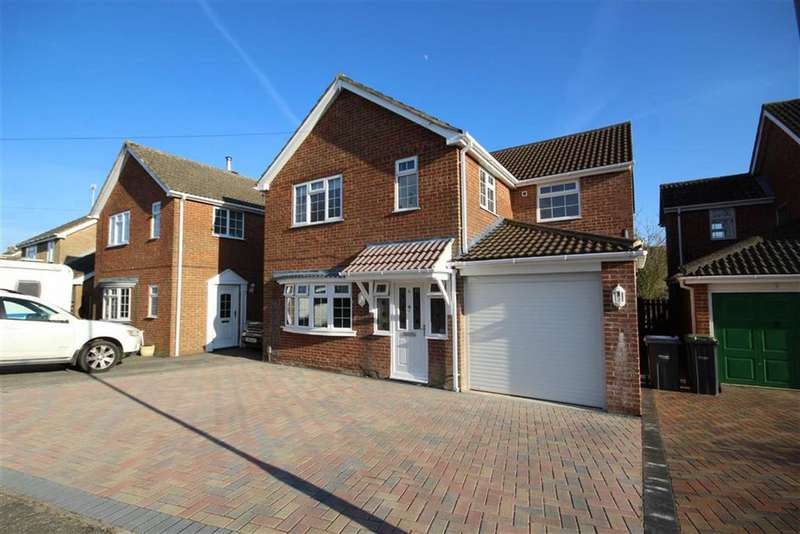 4 Bedrooms Detached House for sale in Kingsley Avenue, Royal Wootton Bassett, Wiltshire