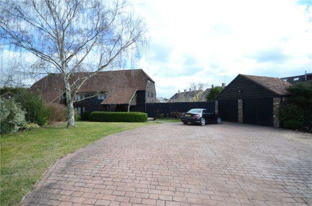 3 Bedrooms Semi Detached House for sale in Ashtrees Road, Woodley, Reading