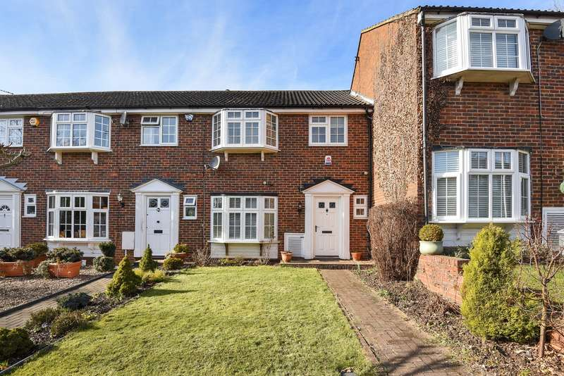 3 Bedrooms Terraced House for sale in Northwood