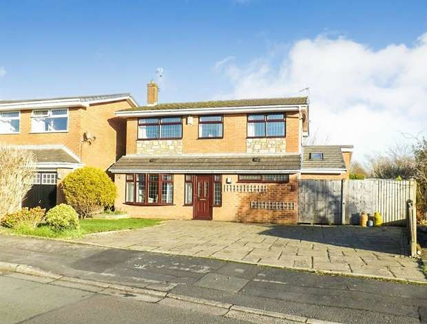 4 Bedrooms Detached House for sale in Walkers Lane, Penketh, Warrington, Cheshire