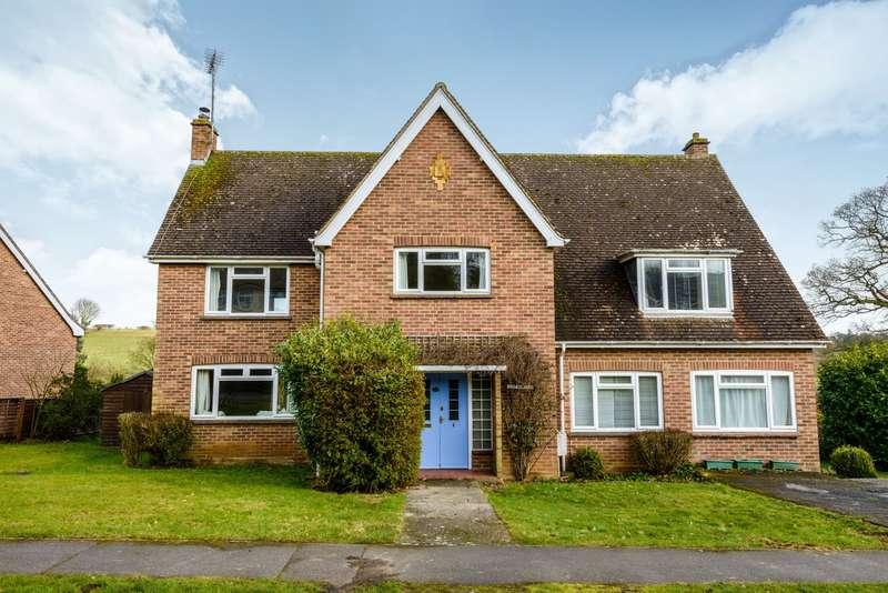 4 Bedrooms Detached House for rent in Ashlong Grove, Halstead, Essex