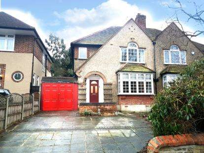 3 Bedrooms Semi Detached House for sale in Somerset Road, Barnet, Hertfordshire