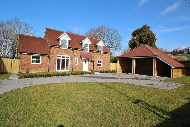 5 Bedrooms Detached House for sale in Wallington Shore Road, Fareham