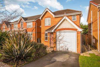 3 Bedrooms Detached House for sale in Goldcrest Drive, Bamber Bridge, Preston, Lancashire