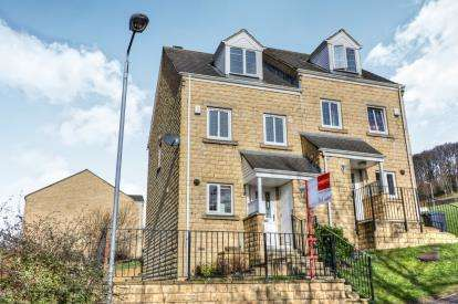 3 Bedrooms Semi Detached House for sale in Phoebe Lane, Halifax, West Yorkshire