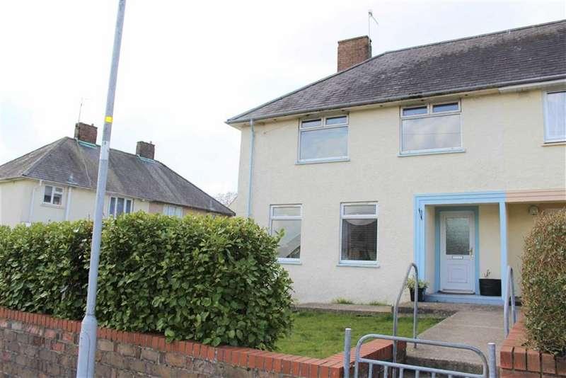 3 Bedrooms Semi Detached House for sale in Beaufort Road, Pembroke