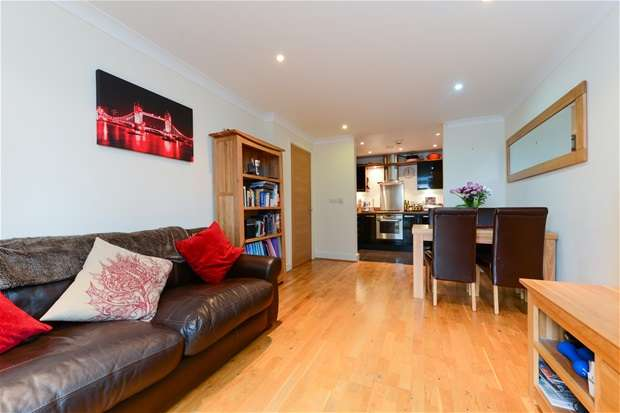 2 Bedrooms Flat for sale in Overhill Road, East Dulwich