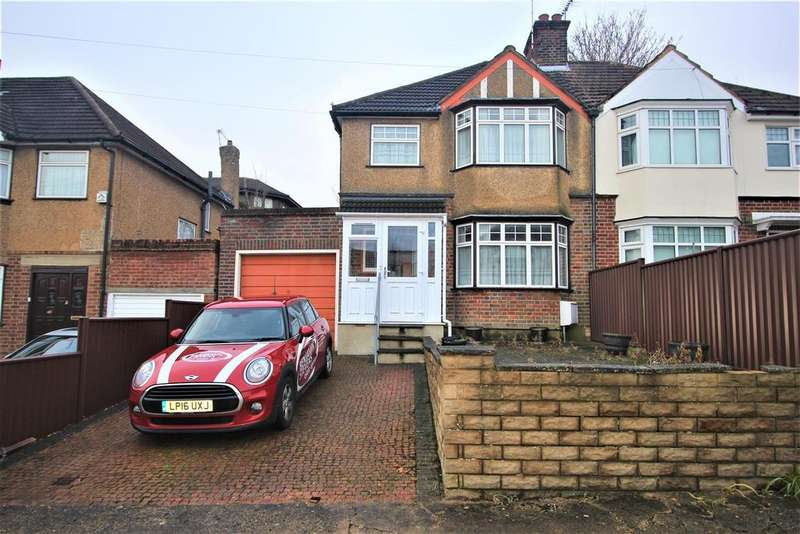 3 Bedrooms House for sale in Albany Crescent, Edgware