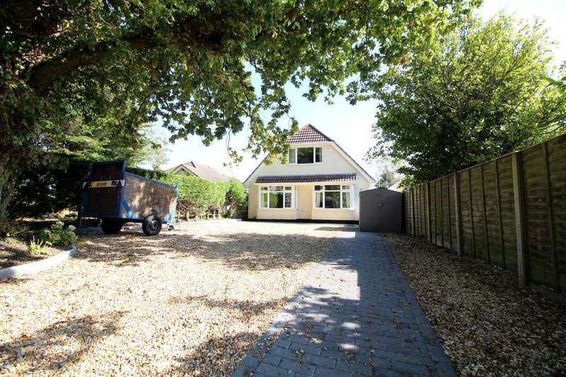 4 Bedrooms Detached House for sale in Lake Road, Hamworthy
