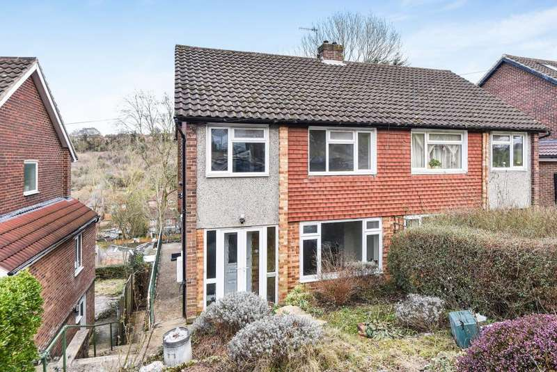 3 Bedrooms House for rent in Deeds Grove, High Wycombe, HP12