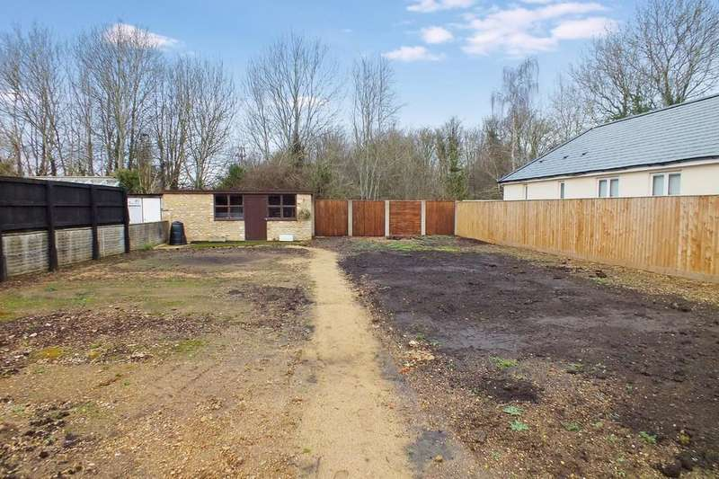 Land Commercial for sale in Clanfield