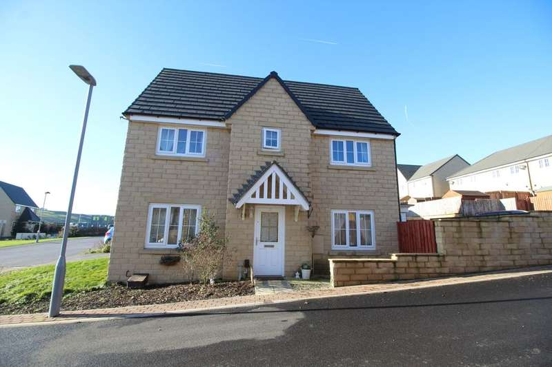 3 Bedrooms Semi Detached House for sale in The Knoll, Keighley, BD22