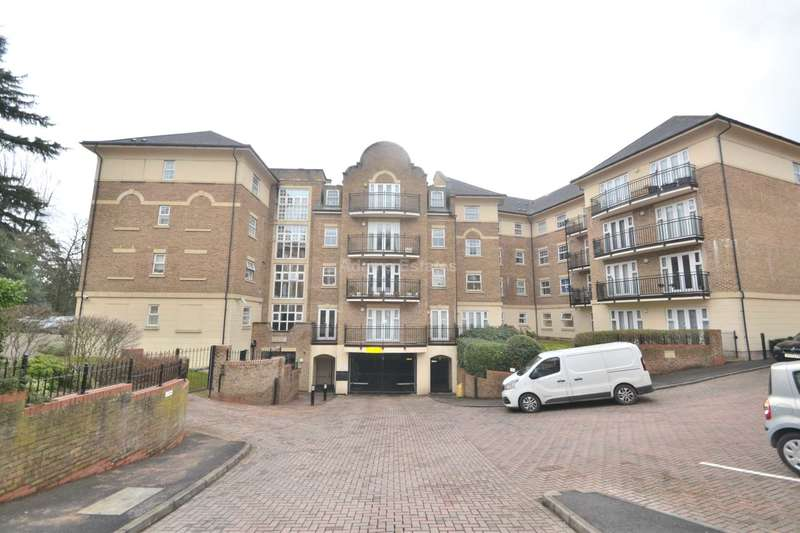 2 Bedrooms Apartment Flat for rent in The Huntley, Carmelite Drive, Reading