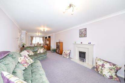 4 Bedrooms Detached House for sale in Nursery Gardens, Yarm, Stockton On Tees