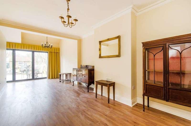 8 Bedrooms House for rent in Churchill Avenue, Kenton, HA3