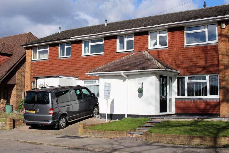 3 Bedrooms Terraced House for sale in Plough Lane, Wokingham RG40