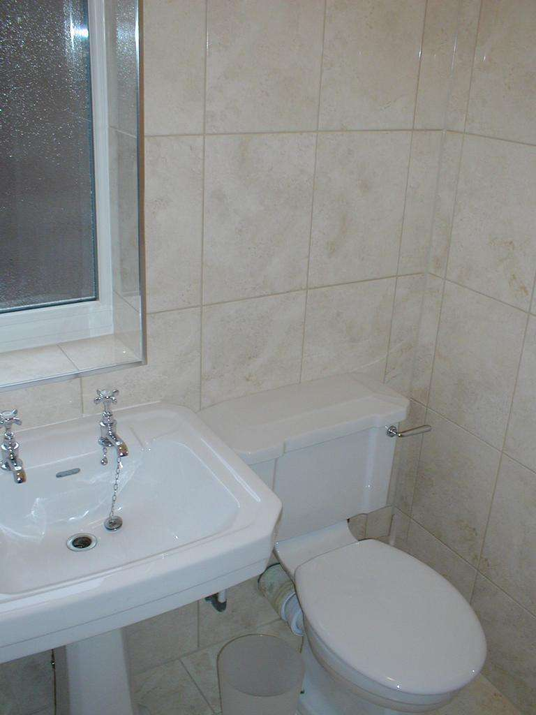 3 Bedrooms Terraced House for rent in Chorlton M21