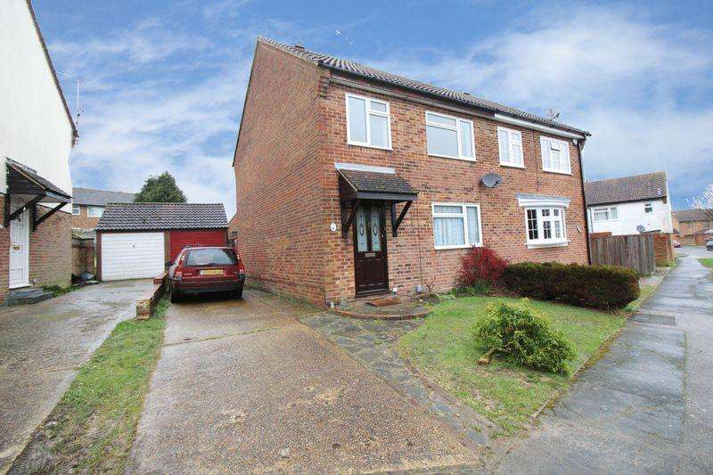 3 Bedrooms Semi Detached House for rent in Heathfield, Crawley
