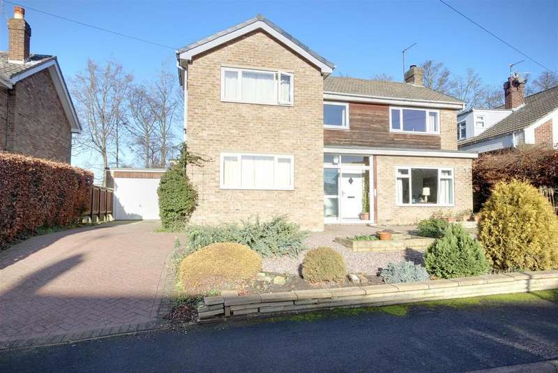 4 Bedrooms Detached House for sale in Parklands Drive, North Ferriby