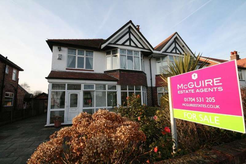3 Bedrooms Semi Detached House for sale in Beresford Drive, Churchtown, Southport, PR9 7JY