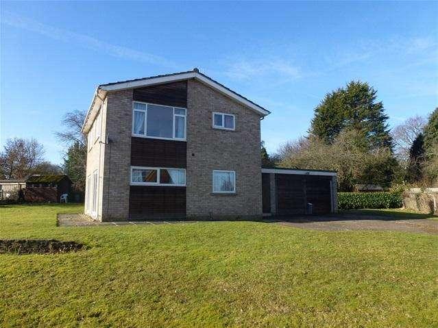 2 Bedrooms Detached House for sale in Deben Lane, Waldringfield, Woodbridge