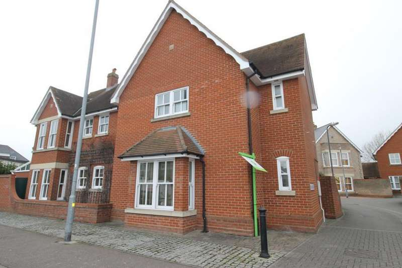 3 Bedrooms Detached House for rent in The Rayleighs Drury Road Colchester