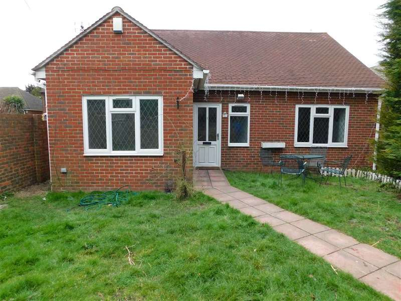 4 Bedrooms Bungalow for sale in Barn End Lane, Wilmington, dartford