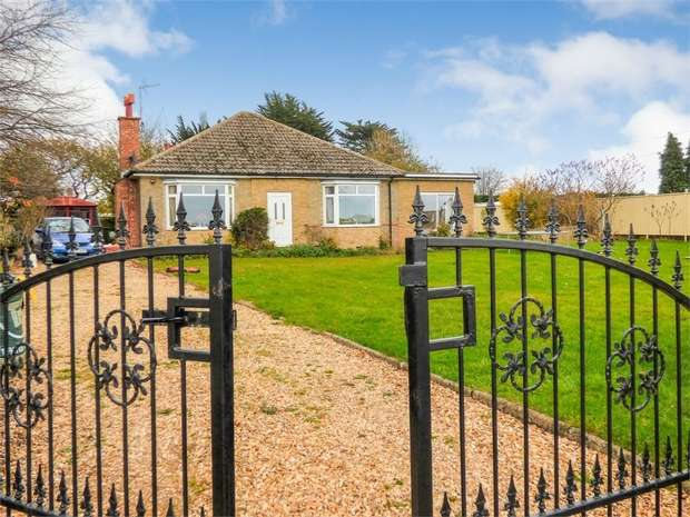 4 Bedrooms Detached Bungalow for sale in Elton Road, Stibbington, Peterborough, Cambridgeshire