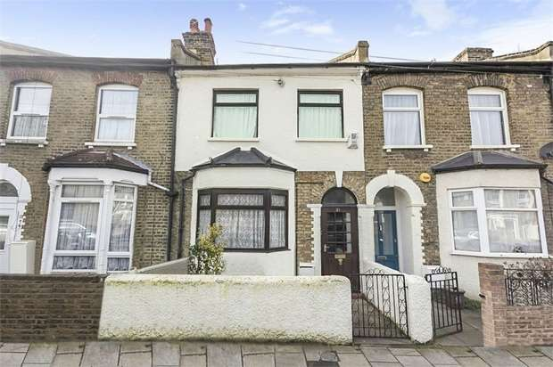 3 Bedrooms Terraced House for sale in Hollydale Road, London