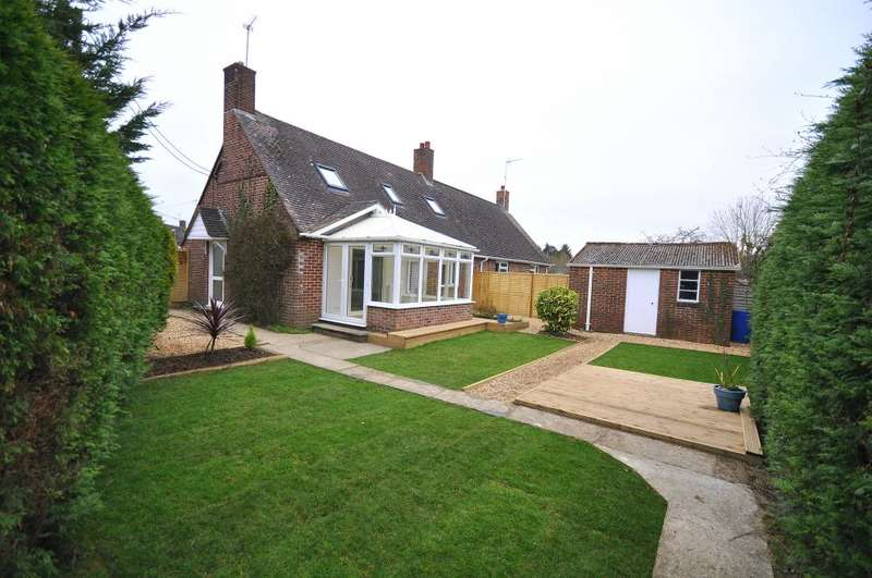 4 Bedrooms Semi Detached House for sale in Ringwood, BH24 1XD