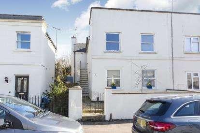 3 Bedrooms Maisonette Flat for sale in Upper Norwood Street, Leckhampton, Cheltenham, Gloucestershire