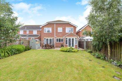 4 Bedrooms Detached House for sale in Pease Court, Eaglescliffe, Stockton On Tees