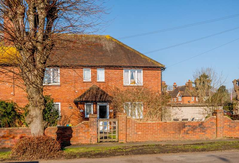 3 Bedrooms Flat for sale in Cranleigh
