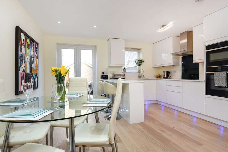 4 Bedrooms End Of Terrace House for sale in Severnake Close, Canary Wharf