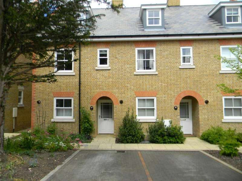 3 Bedrooms Town House for rent in BERKHAMSTED - New Manor Croft