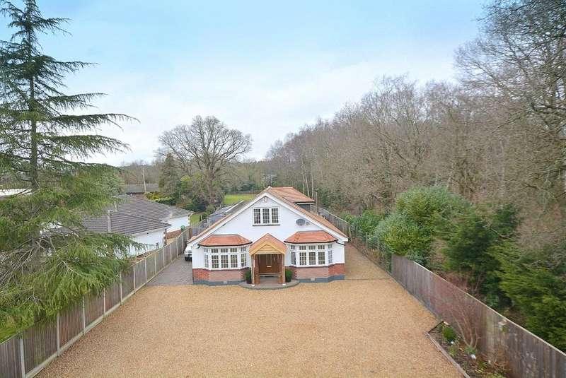 5 Bedrooms Chalet House for sale in Wimborne Road West, Wimborne