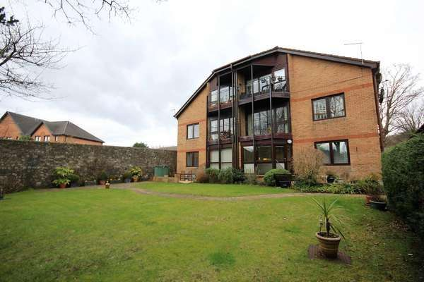 2 Bedrooms Flat for sale in 88 Hill Street, Largs, KA30 8DU