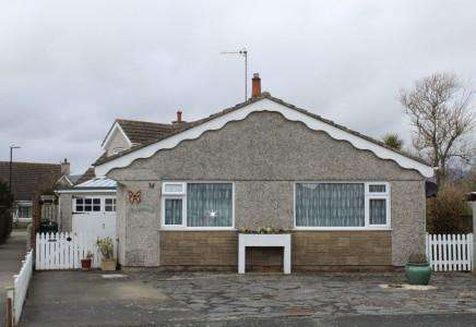 2 Bedrooms Bungalow for sale in Isle of Man, IM9