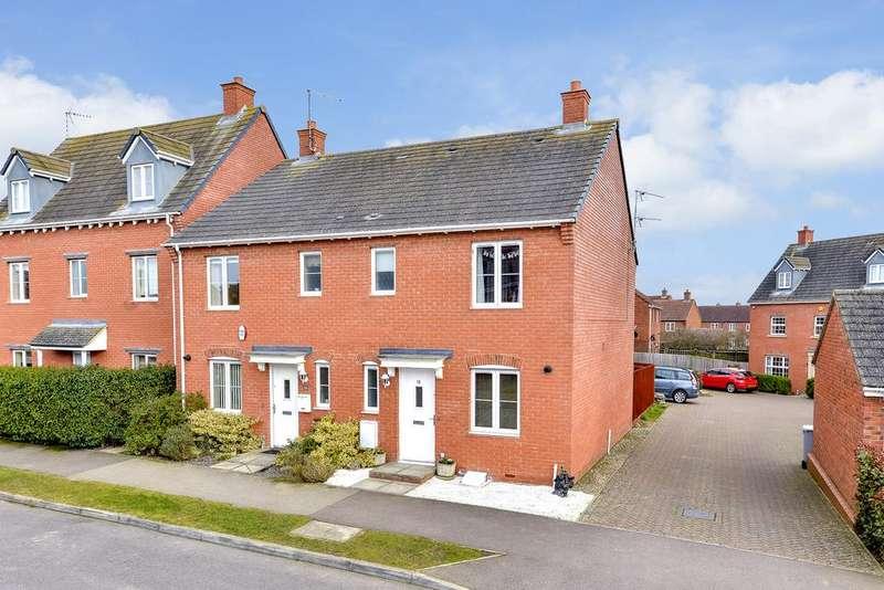 3 Bedrooms Semi Detached House for sale in Rowan Close, Desborough NN14