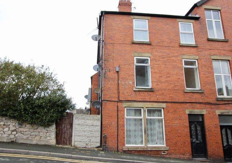4 Bedrooms Terraced House for sale in Fern Avenue, Prestatyn