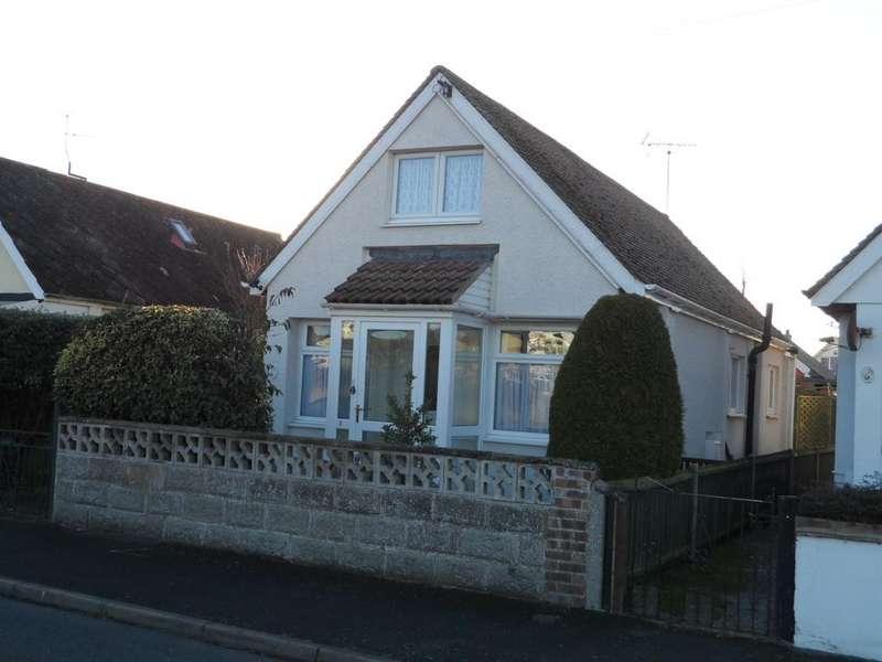 2 Bedrooms Detached Bungalow for sale in Garden Road, Jaywick