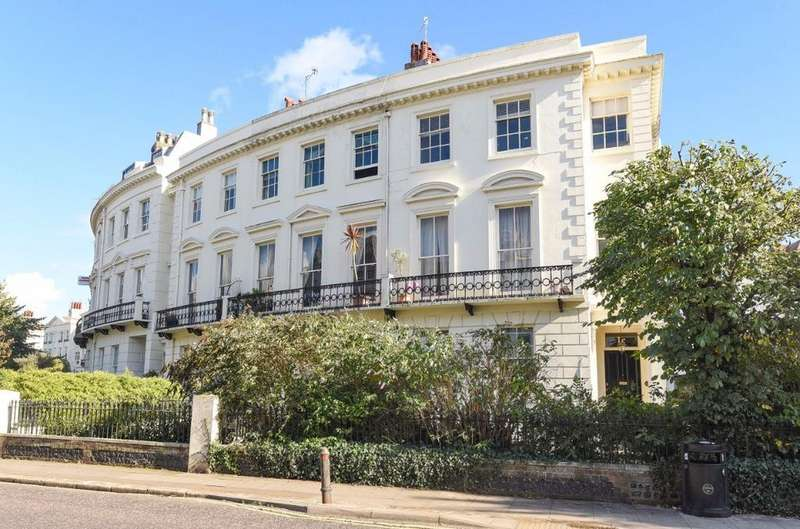 2 Bedrooms Flat for sale in Montpelier Crescent Brighton East Sussex BN1