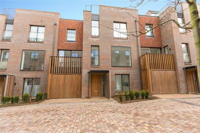 4 Bedrooms Terraced House for sale in Woodside Square, Muswell Hill, London, N10
