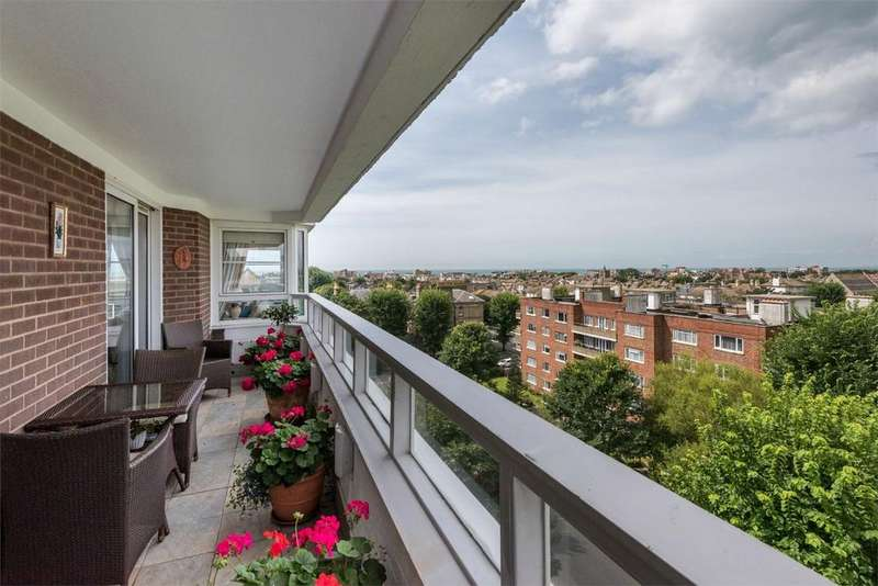 5 Bedrooms Flat for sale in Gainsborough House, Eaton Gardens, Central Hove, East Sussex