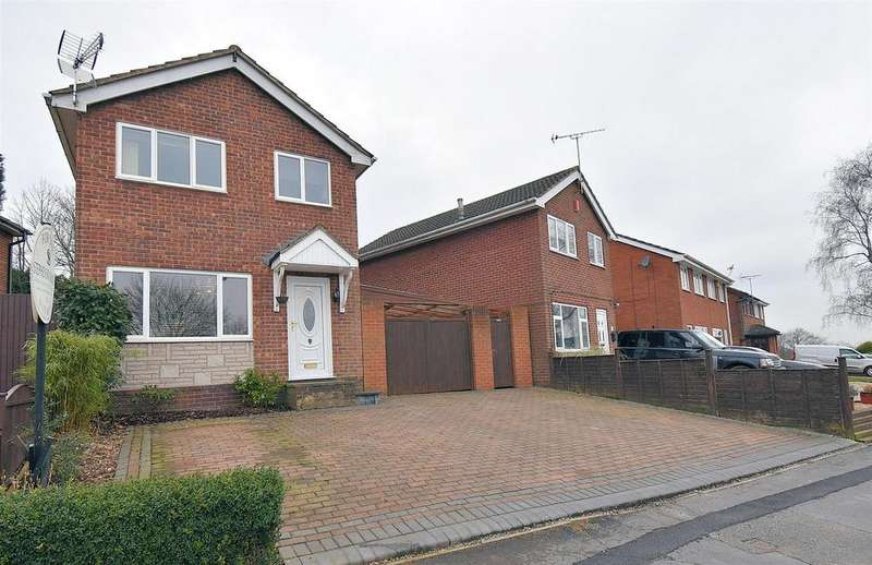 3 Bedrooms Detached House for sale in Walton Way, Talke