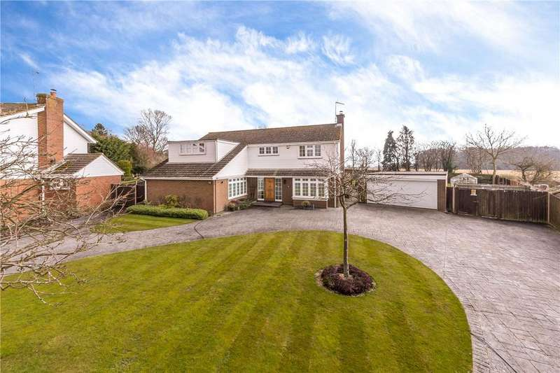 5 Bedrooms Detached House for sale in Holywell Road, Studham, Dunstable, Bedfordshire